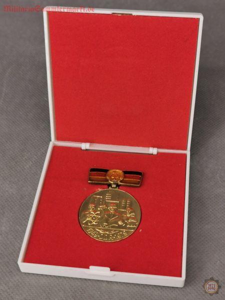 Orden, Für Verdienste bei der Gründung und Festigung der DDR